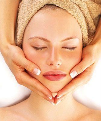 Tratamiento facial de Maribel Yébenes que prepara la piel para la exposición solar. Un bronceado sano, bonito y duradero.